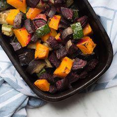 Lunes sin carne al horno con puro aceite de oliva y sal de mar. Zapallo, betarraga, berenjenas y zapallo italiano. #30min