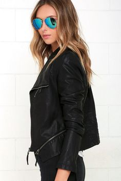 Weekday or not, spice up the night with the Up on a Tuesday Black Vegan Leather Jacket! Decorative top stitching atop this leek, vegan leather moto jacket. Vegan Leather Jacket, Faux Leather Jackets, Popular Outfits, Outfits For Teens, Tunic Tank Tops, Crop Tops, Hipster Outfits, Cozy Outfits, Trendy Clothes For Women