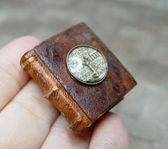 EV Miniatures Decorated Books. Key under lens. www.evminiatures.com