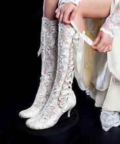 Vintage Lace Wedding Boots - 'Evangeline Elliot' Cute for a country wedding :) Mode Vintage, Vintage Shoes, Vintage Tea, Dress Vintage, Vintage Style, Steampunk Fashion, Victorian Fashion, Steampunk Boots, Victorian Boots