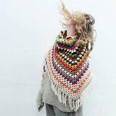diEnes / tutti multi colorati - crochet colorful, granny shawl, huge, maxi, oversized, winter accessory