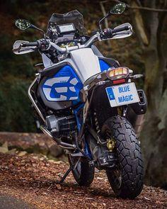 motos que eu gosto - Enduro und Reise - Motos Bmw, Bmw Motorbikes, Cool Motorcycles, Bmw Adventure Bike, Gs 1200 Adventure, Motorcycle Camping, Motorcycle Design, Gs 1200 Bmw, Moto Enduro