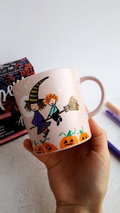 Get inspired with this awesome cute Halloween theme ceramic mug design. You will love our Artistro p Ceramic Painting, Ceramic Art, Painting Canvas, Rock Painting, Painted Mugs, Painted Rocks, Halloween Design, Halloween Themes, Halloween Halloween