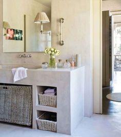 i like that marble vanity!