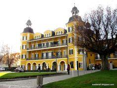 Foto zgodbe: Vrba ob Vrbskem jezeru Mansions, House Styles, Home Decor, Decoration Home, Manor Houses, Room Decor, Villas, Mansion, Home Interior Design