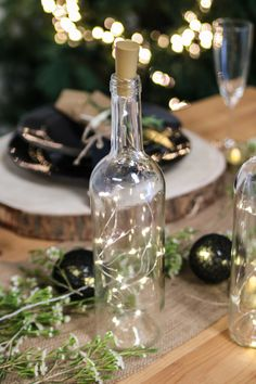 Corks with built-in micro-led wire special glass bottles for your Scandinavian country Christmas decor # - New Deko Sites Scandinavian Christmas Decorations, Country Christmas Decorations, Wedding Decorations, Table Decorations, Deco Table Champetre, Wedding Wine Bottles, Up Balloons, Wedding Arrangements, Diy Table