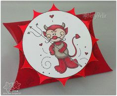 Kitty Bee DT makes, pillow gift box, image by MelJens
