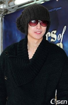 Kim Hyun Joong 김현중 ♡ glasses and hat ♡ Kpop ♡ Kdrama ❤ Csók 세계 한국 키스 Korea World: február 2011