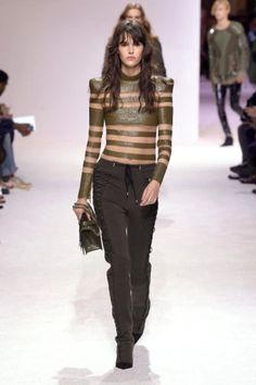 balmain menswear mens pfw pfwm paris runway @sssourabh Women's Runway Fashion, Mens Fall, Balmain, Leather Pants, Menswear, Paris, Leather Jogger Pants, Montmartre Paris, Lederhosen