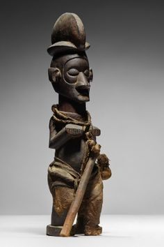 Lot n°107  Yaka Figure Congo, Nativity, Buddha, Auction, Statue, Belgium, Art, Collection, Art Background