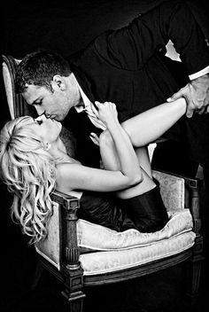 romanc, sexi, engagement photos, bed, wedding photo shoots