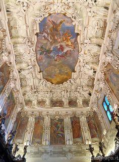 #Caravaggio (#Bergamo #Italy) - Upper half of the sacristy of the #Sanctuary of Caravaggio #visititaly #discoveritaly #renaissance #rinascimento #artinitaly #italianart #stucco #Lombardia