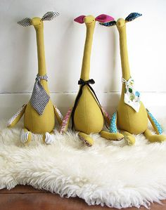 Image of PDF Sewing Pattern - Gerald Giraffe - by Hop Skip Jump Handmade Giraffe Toy, Giraffe Pattern, Deer Pattern, Sewing Toys, Sewing Crafts, Sewing Projects, Fabric Animals, Pdf Sewing Patterns, Fabric Dolls