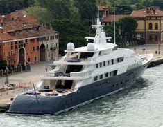 Luxury yacht Limitless