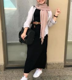 black maxi dress-Modest Summer Fashion Trends You Need to Follow – Just Trendy Girls