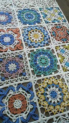 Transcendent Crochet a Solid Granny Square Ideas. Inconceivable Crochet a Solid Granny Square Ideas. Crochet Table Runner Pattern, Crochet Motif Patterns, Crochet Blocks, Crochet Squares, Crochet Designs, Knitting Patterns, Granny Squares, Free Knitting, Diy Crafts Crochet