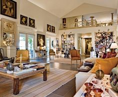Une maison de plantation de style sud-africain en Floride devient un havre de paix - Living Room Interior, Home Living Room, Living Room Designs, Design Your Dream House, Plantation Homes, Le Havre, Florida Home, Classic House, Architectural Digest