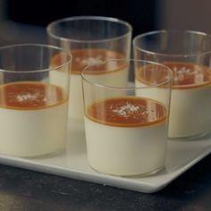 Vanilla Rum Panna Cotta with Salted Caramel - Barefoot Contessa - Ina Garten Just Desserts, Delicious Desserts, Dessert Recipes, Yummy Food, Party Desserts, Dessert Souffle, Mousse, Vanilla Rum, Puddings