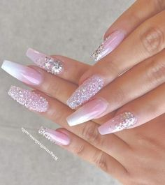 ✨ folgen @ trυυвeaυтyѕ für mehr ρoρρin pins❗️ - Coffin Nails coffin nails with bling Glam Nails, Classy Nails, Bling Nails, Cute Nails, Pretty Nails, My Nails, Bling Bling, Ombre Nail Designs, Acrylic Nail Designs