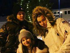 M&M with emma Little Sisters, Harry Potter, Mac, Wallpaper, Celebrities, Stuff Stuff, Celebs, Wallpapers, Celebrity