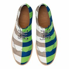 Camper is celebrating the anniversary of its Twins collection with Bernhard Willhelm collaboration Hot Shoes, Men's Shoes, Shoe Boots, Shoes Sneakers, Dress Shoes, Camper Twins, Mens Fashion Shoes, Shoe Game, Loafers