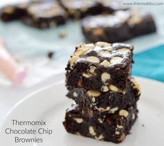 These Thermomix Chocolate Chip Brownies are one of my all time favourite recipes as they are just so easy to make! Chocolate Chip Brownies, White Chocolate Chips, Baking Tins, Cocoa, Favorite Recipes, Cakes, Easy, Desserts, Thermomix