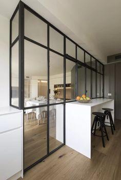 Fotografía de Isla por Cobos #1494730. Open Kitchen And Living Room, Ikea Living Room, Home Room Design, Interior Design Kitchen, Warm Home Decor, Kitchen Models, House Inside, Glass Kitchen, New Home Designs