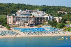 Sejur in Duni, Bulgaria – Oferte cazare pe litoral pentru anul 2018 Marina Beach, Hotels And Resorts, Dolores Park, Mansions, House Styles, Outdoor Decor, Travel, Strand, Littoral Zone