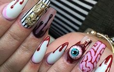 COMO GANHAR DINHEIRO COMO MANICURE Curso Online de Manicure - Ganhe Dinheiro em Casa #manicure #ganhar_dinheiro_em_casa #renda_extra #curso_online #curso_faby_cardoso #unha_holografica #unhaholografica #cursomanicure #cursopedicure #curso_manicure #curso_pedicure https://go.hotmart.com/N7107076T Stiletto Nails, Gel Nails, Claw Nails, Coffin Nails, Nail Polish, Nail Inspo, Nails For Halloween, Halloween Acrylic Nails, Halloween Nail Designs