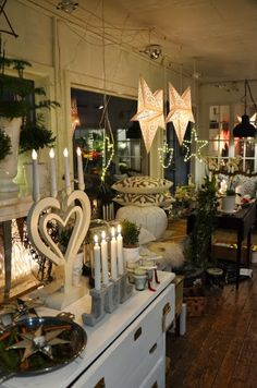Scandinavian Christmas via LILJOR OCH TULPANER......This screams ERIN!!!  Love, Love, LOVE!!! <3