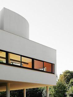 "33arquitectures: "" Le Corbusier, Villa Savoye Photo: Iñaki Bergera """
