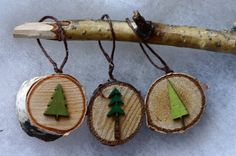 Listing is for three little chunky birch tree slice ornaments, measuring only 1 inch in diameter and 11/16 inch thick simple, but oh so cute