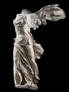The Winged Victory of Samothrace Roman Sculpture, Art Sculpture, Sculptures, Victory Tattoo, Sculpture Romaine, Winged Victory Of Samothrace, Art Antique, Greek Art, Classical Art