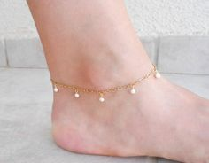Pearls and gold anklet Delicate 24K gold plated by SarittDesigns