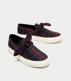 on sale 487a3 4e68b Heres Where Fashion Girls Buy Sneakers That Resemble Dress Shoes via  WhoWhatWear Högtidsskor, Who