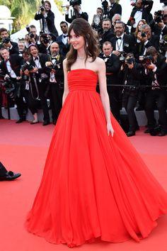 Twinset Red Carpet Collection - Vogue.it Elegant Dresses, Formal Dresses, Georgia May Jagger, French Girls, Irina Shayk, Red Carpet, Ideias Fashion, Girls Dresses, Dress Red