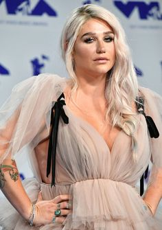 Kesha's Rainbow is Life