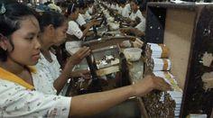 BURUH ROKOK Kepesertaan BPJS Ketenagakerjaan Tuntas Tahun Ini