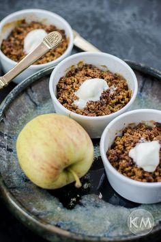 Gesunde Apple Crumbles aus Haferflocken und Walnüssen