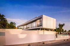 Smart Home Design: Cool Blue Villa by - Architecture Beast Smart Home Design, Mediterranean Architecture, Mediterranean Sea, Spanish Villas, Decor Home Living Room, Room Decor, 100 M2, Unusual Homes, House Elevation