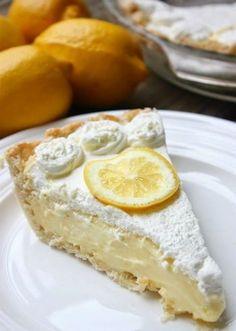 Lemon Sour Cream Pie | Foodboum