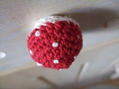 ao with <3 / crochet toadstolol knob