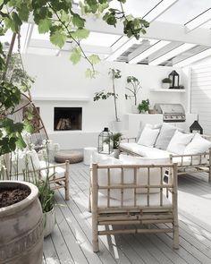 Amazing Sunroom Design for Outdoor Decoration Outdoor Areas, Outdoor Rooms, Outdoor Living, Outdoor Furniture Sets, Outdoor Decor, Design Jardin, Backyard Patio Designs, My Dream Home, Exterior Design