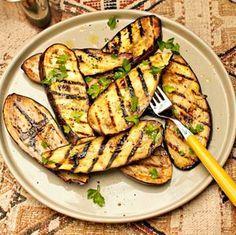 Gegrilde Aubergine Recipe on Yummly. Nutritional Value Of Eggplant, Food Porn, Bbq Zucchini, Eggplant Benefits, Weber Bbq, Eggplant Recipes, Bbq Party, Good Food, Healthy Recipes