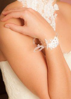 """Idée pour Headband:  Bracelet mariage """"Joséphine"""" en dentelle de Calais"""