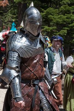Screen in eye slits Medieval Weapons, Medieval Knight, Medieval Fantasy, Armadura Medieval, Armor Clothing, Medieval Clothing, Character Art, Character Design, Templer