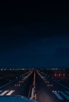 Travel Airplane Photography Planes 33 Ideas Intro The actual popularity of universal remote Night Aesthetic, City Aesthetic, Travel Aesthetic, Airplane Photography, Travel Photography, Moon Photography, Landscape Photography, Photo Avion, Airplane Wallpaper