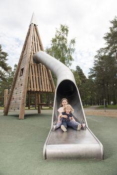 En magnifik lekplats med pyramidtorn och mycket annat, Hedlundadungen Umeå