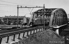 Spoorbrug over het Amsterdam Rijnkanaal | Spoorlijn Utrecht - Rotterdam 1965 | Op achtergrond de Keulsekade