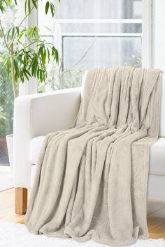 Patura Oliver Beige #homedecor #inspiration #interiordesign #blanket #relax Relax, Beige, Blanket, Interior Design, Inspiration, Home Decor, Cabin, Lush, Colors
